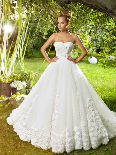 Свадебное Платье Розами Украшенное 94